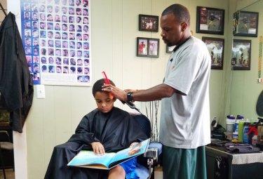 barber_jason_jozef1-toned_custom-11511d112ba547de370775b004c4ba4492c214b3-s600-c85